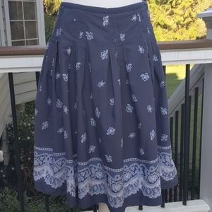 Liz Claiborne Paisley Skirt. Pleated. Size 6